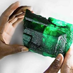'Inkalamu,' a 5,655-Carat Emerald Crystal, Makes High-Profile Debut in Delhi